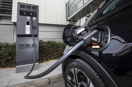 В Германии появятся новые уличные зарядки для электромобилей