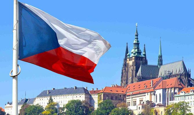 Чехия упростит трудоустройство граждан Украины