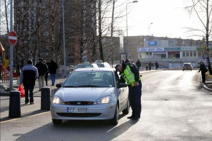 В Латвии ужесточили штрафы для водителей