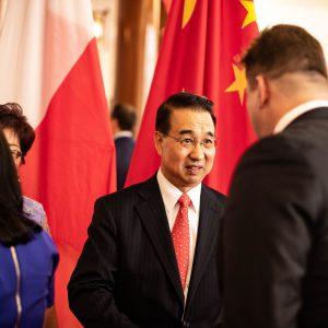 Александр Орлик от имени Варшавской Торгово Промышленной Палаты поздоавляет Его Превосходительство Посла КНР в Польше