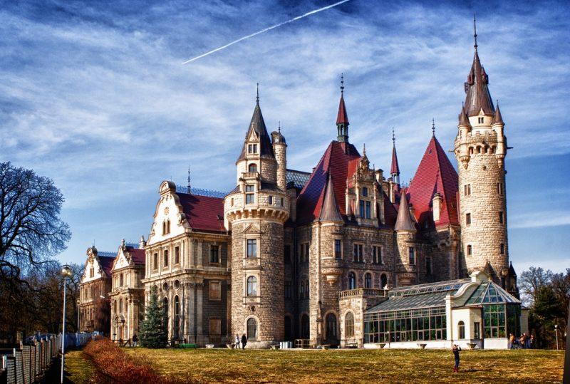 Мошненский замок Польша