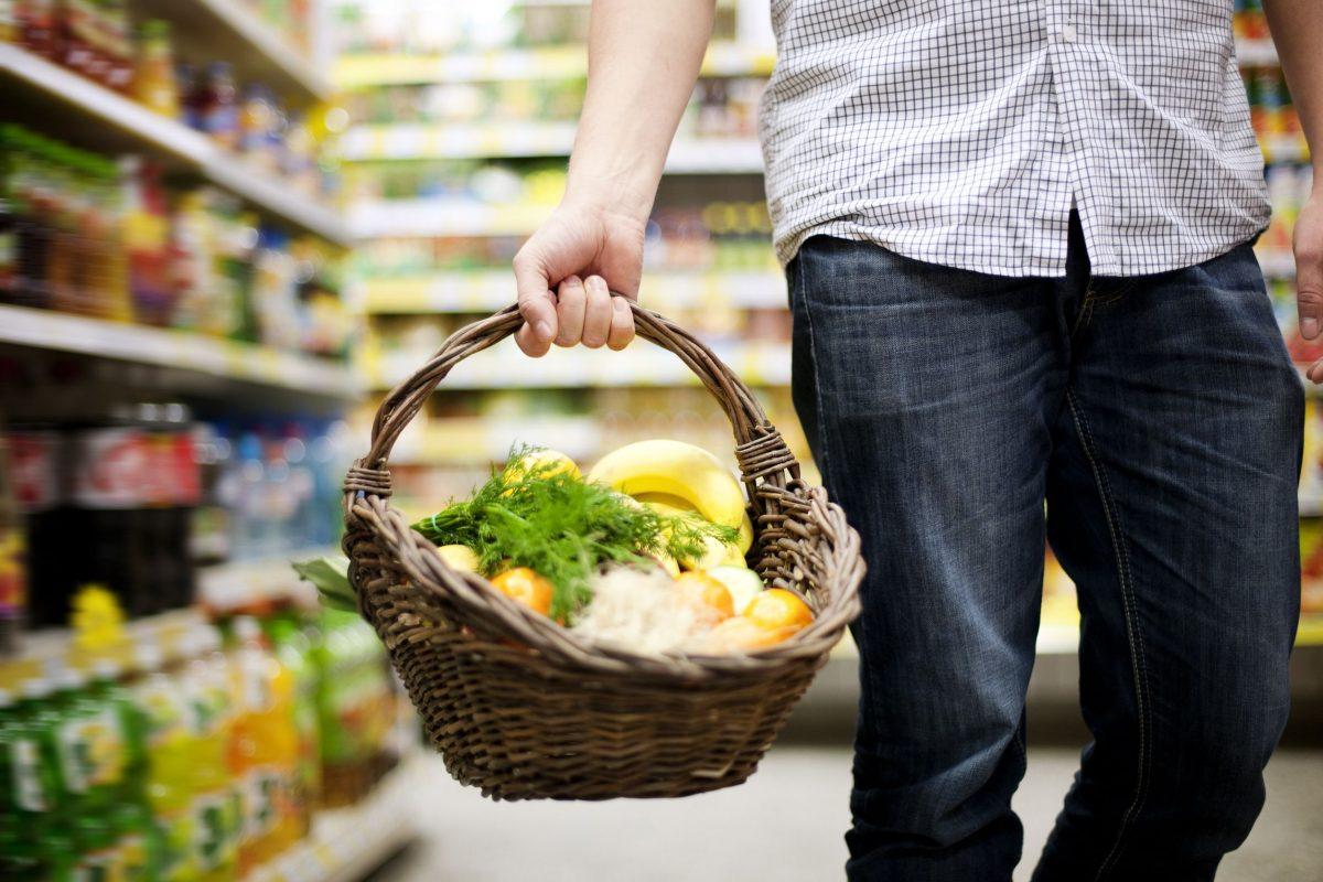 Продовольственная корзина в Украине подорожал на четверть – в три раза быстрее, чем продукты в среднем