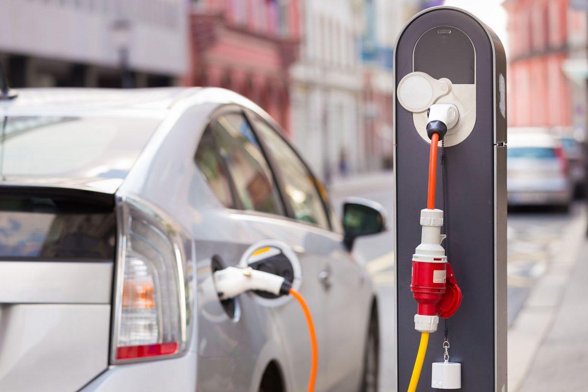 В торговом центре Metro в Кишиневе теперь можно заряжать электромобили