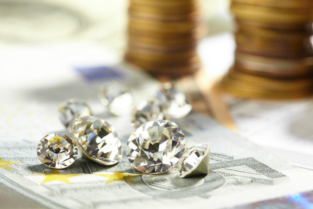 Бриллиантыкак символ надежных инвестиций