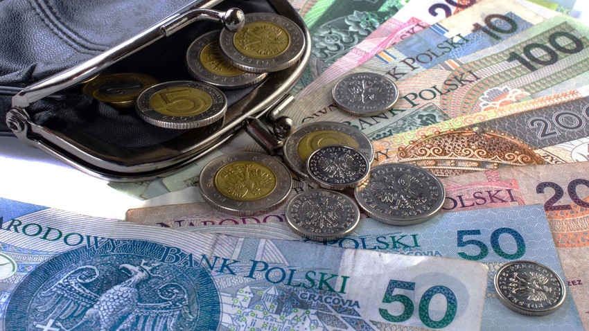 По решению польского правительства минимальная заработная плата в Польше в увеличится почти в 2 раза к 2023 году