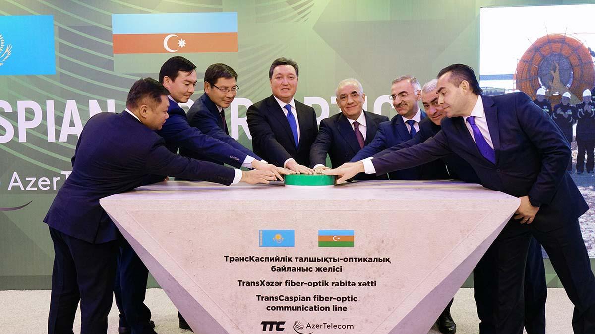 Азербайджан и Казахстан свяжет цифровой коридор по дну Каспия