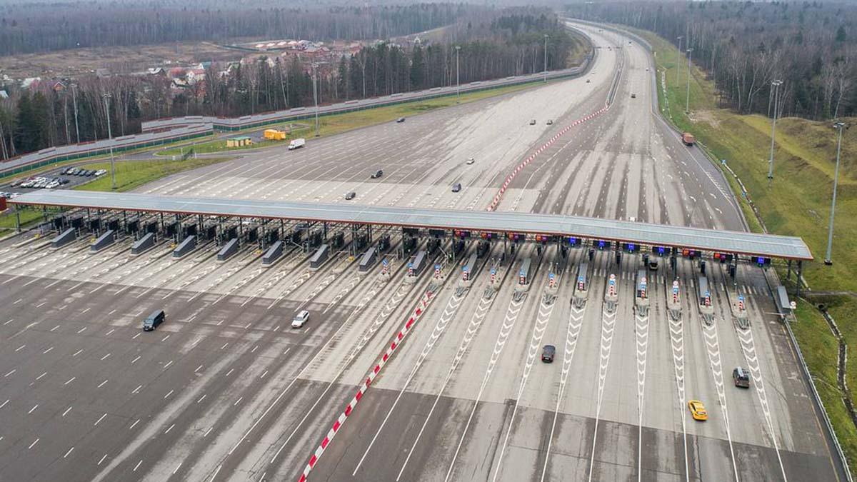 Скоростная трасса соединила Москву с Санкт-Петербургом
