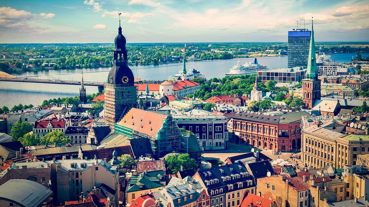 Инвесторы оценили фискальную систему Латвии