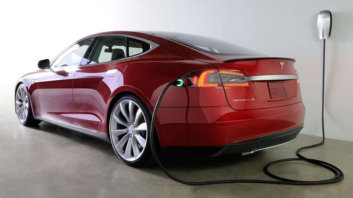 Ввозить электромобили можно беспошлинно