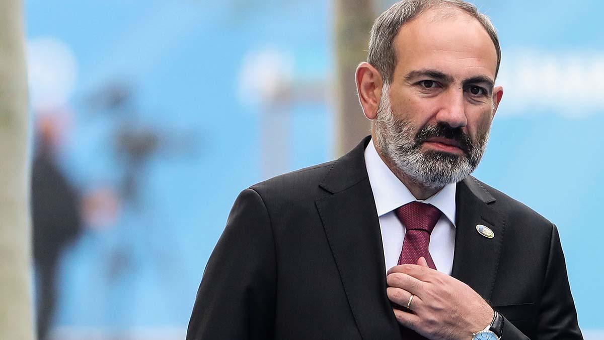 Премьер Армении заболел коронавирусом