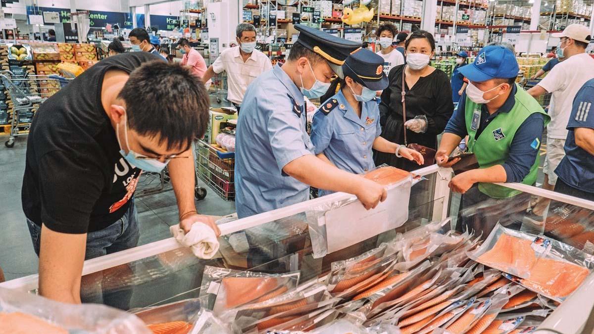 Китай приостановил импорт лосося из Европы