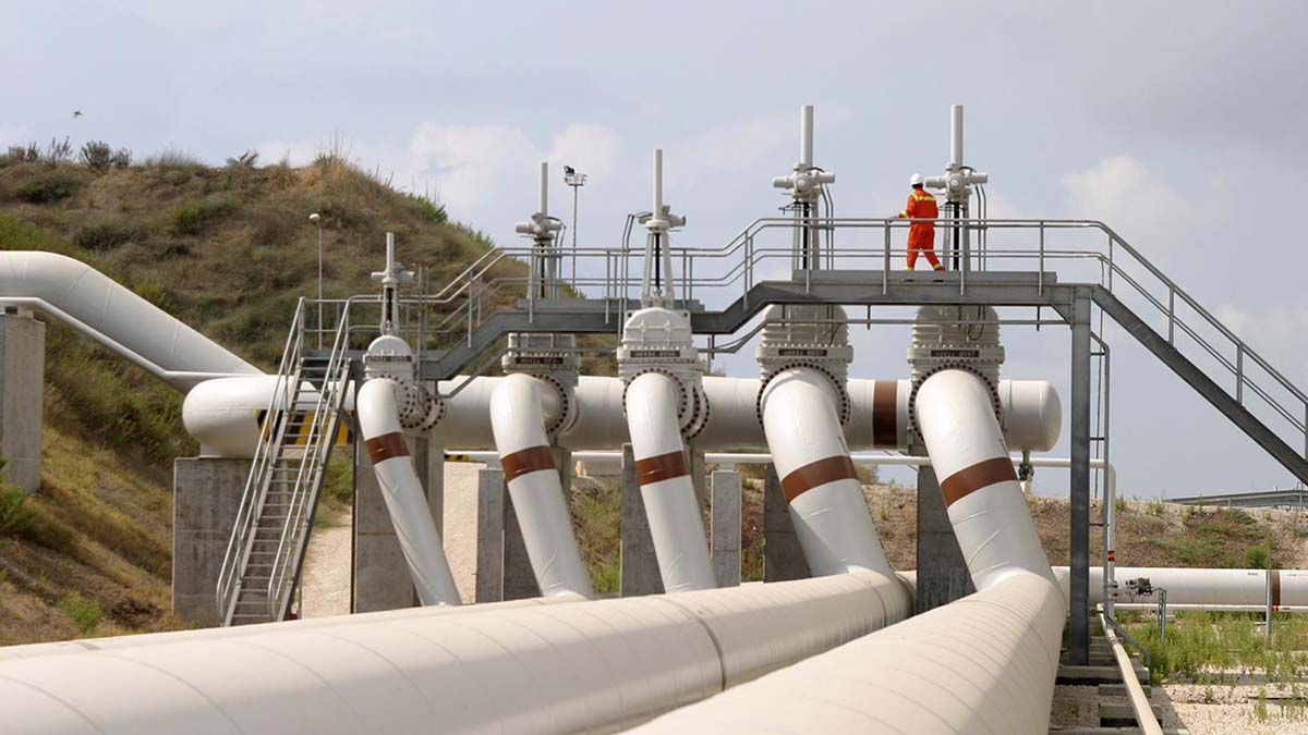 Экспорт нефти и газа в Европу под угрозой