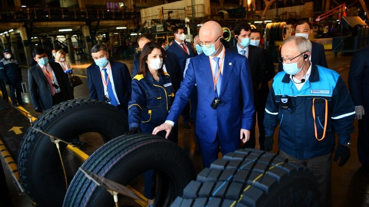«Татнефть» запустит шинный завод в Казахстане