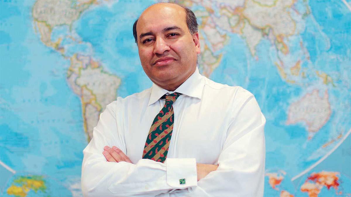 Глава ЕБРР стал советником президента Казахстана