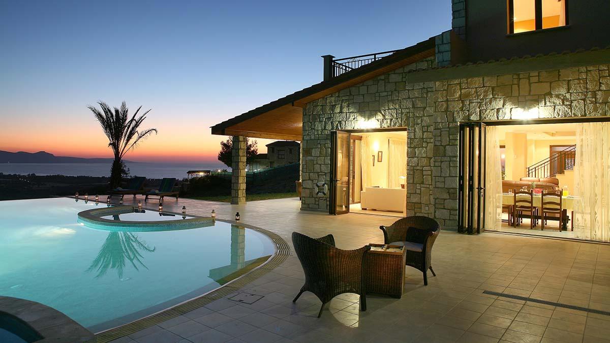 Банки на Кипре могут начать сброс недвижимости