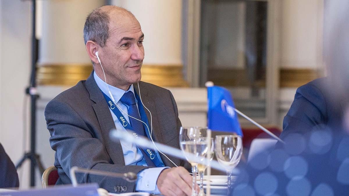 Против премьера Словении выдвинуто обвинение в коррупции