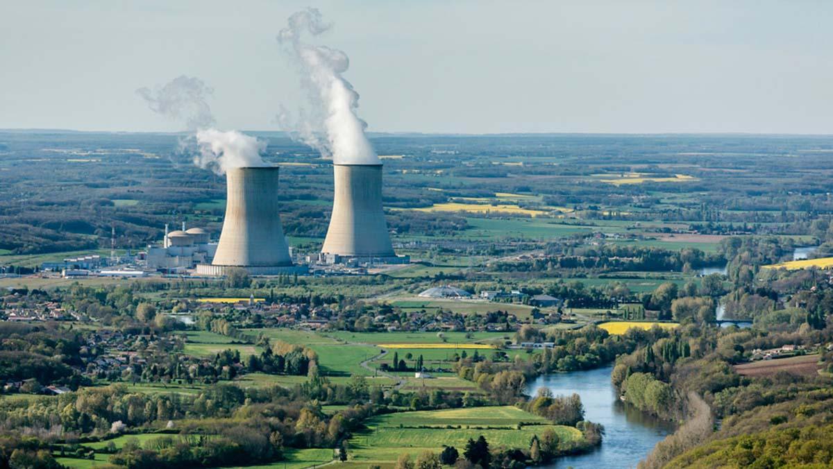 Польша планирует построить две АЭС