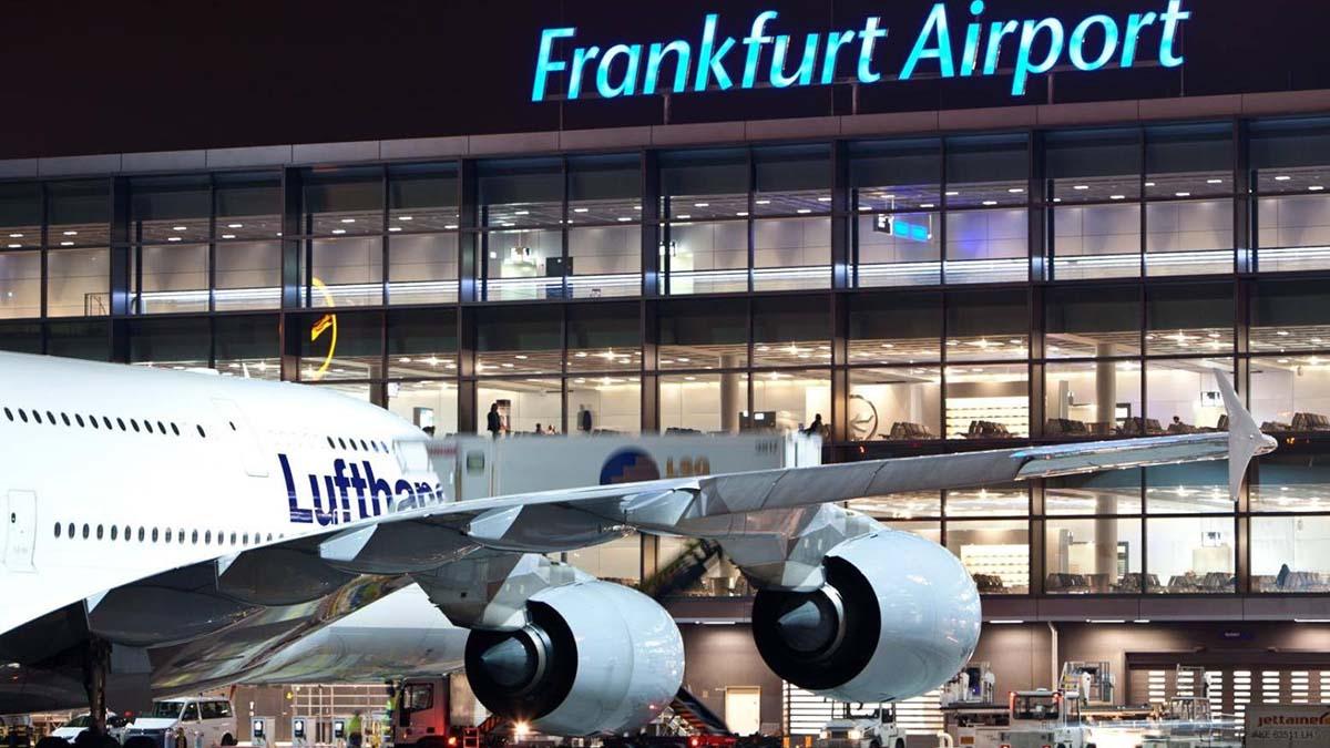Коронавирус поразил аэропорты Европы