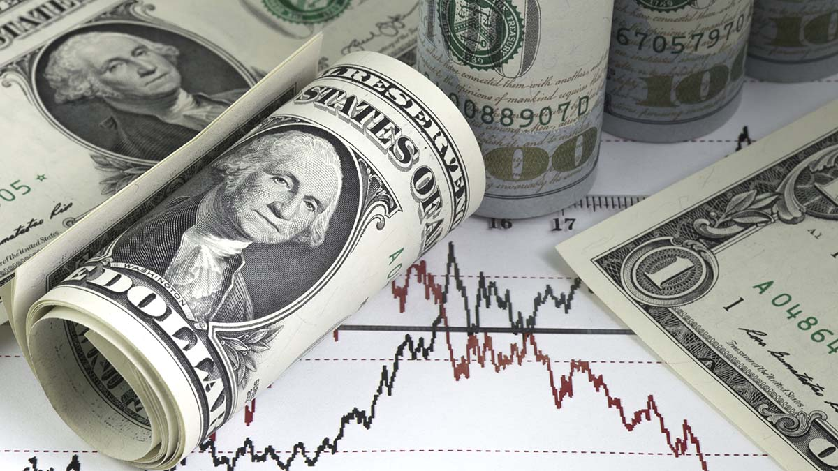 Доллар vs евро: счет в пользу €