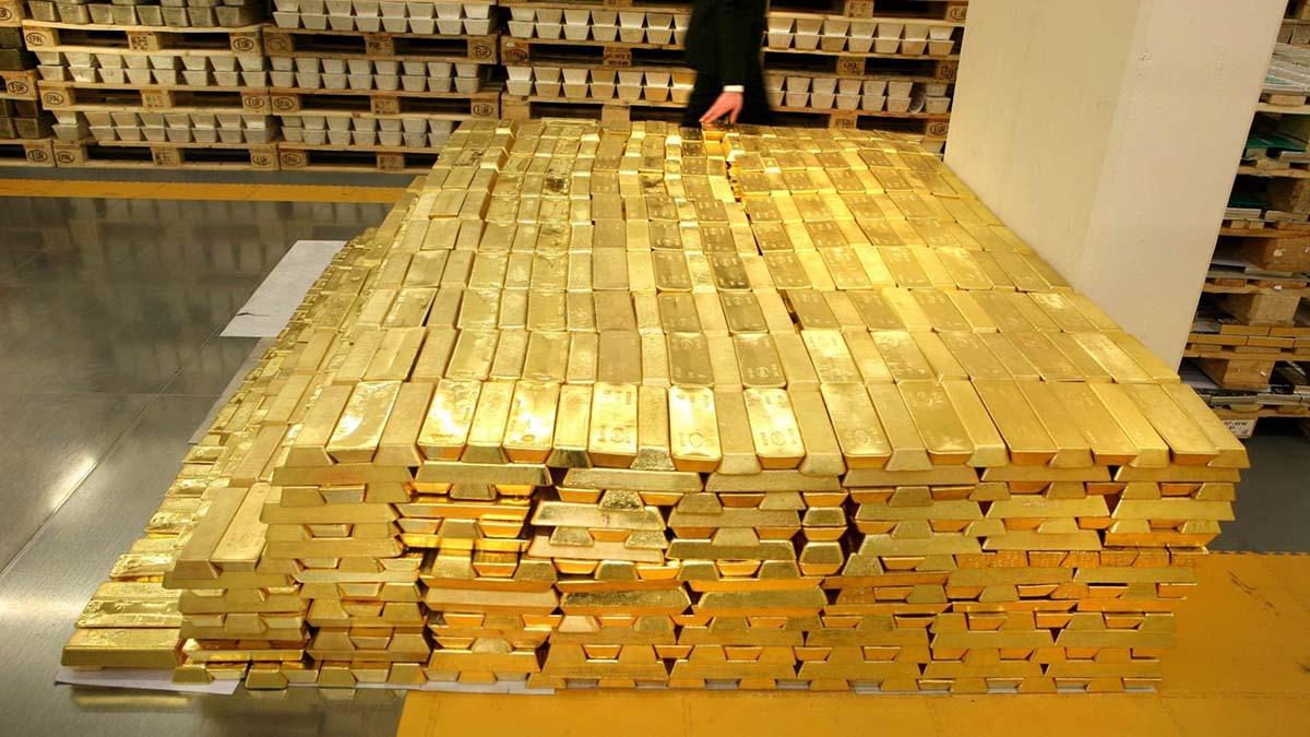 Спрос на золото падает