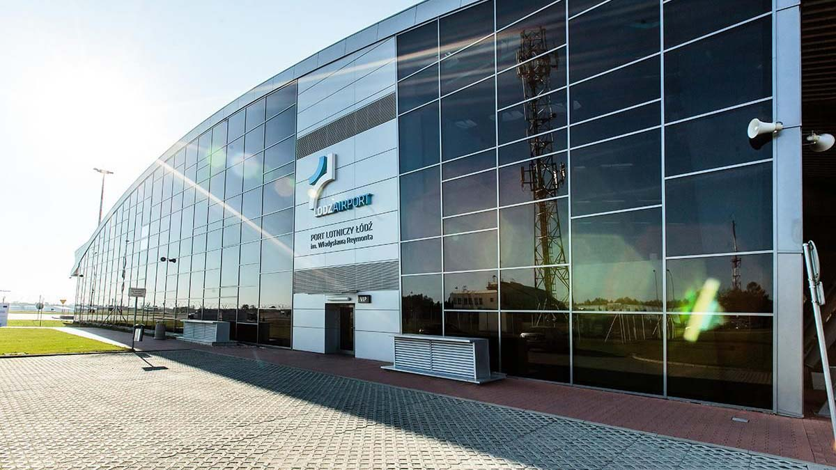 Город Лодзь продает свою долю в аэропорту