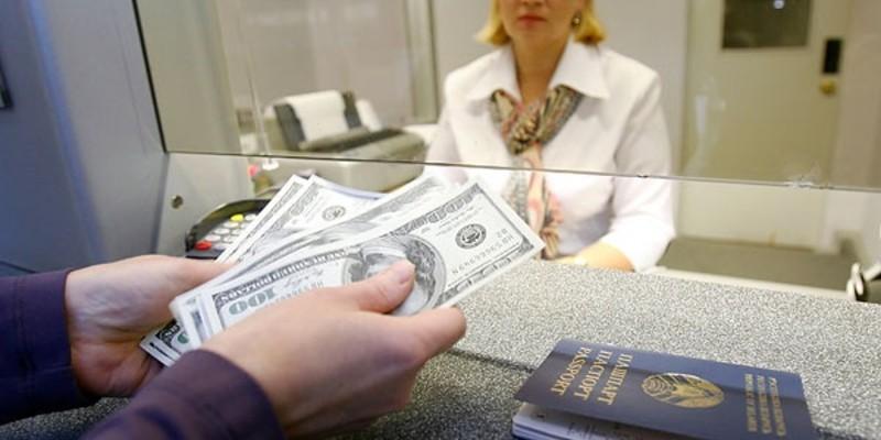 За 2018 год белорусы сдали 1,738 млрд долларов чистыми, что более чем на четверть ниже, чем два года назад